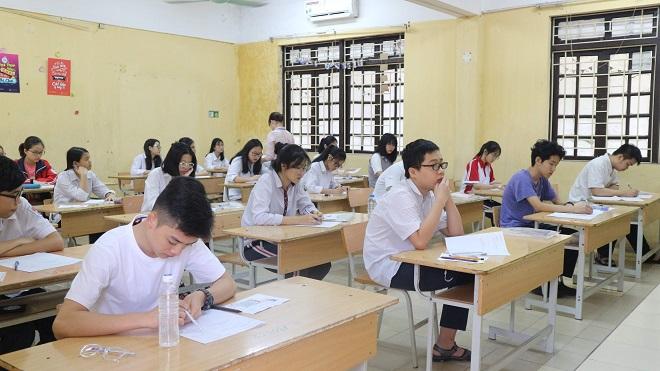 """Tuyển sinh vào lớp 10 tại Vĩnh Phúc: Học sinh và phụ huynh """"chao đảo"""" vì phải thi tới 5 môn - Ảnh 1"""