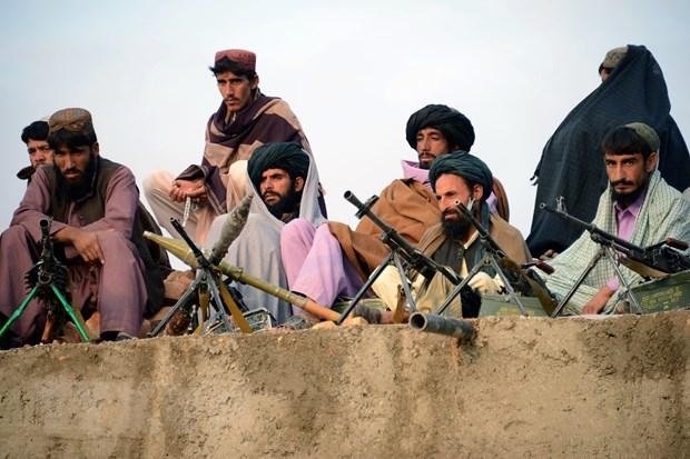 Taliban tấn công quân chính phủ Afghanistan, 7 cảnh sát thiệt mạng - Ảnh 1