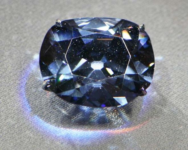 Viên kim cương mê hoặc nhân loại trong nhiều thế kỷ và lời nguyền bí ẩn đáng sợ - Ảnh 1