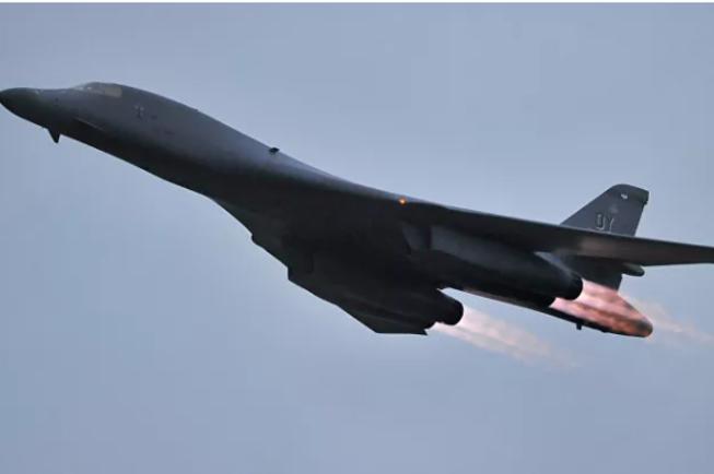 Tin tức quân sự mới nóng nhất ngày 30/5: Su-27 Nga chặn oanh tạc cơ B-1B lancer của Mỹ - Ảnh 3