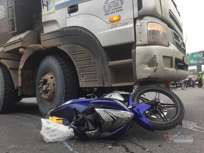 Tai nạn thương tâm do va chạm với xe ben, hai vợ chồng thương vong - Ảnh 4