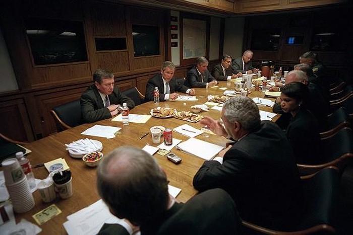 Có gì bên trong hầm trú ẩn của Tổng thống Mỹ tại Nhà Trắng? - Ảnh 5