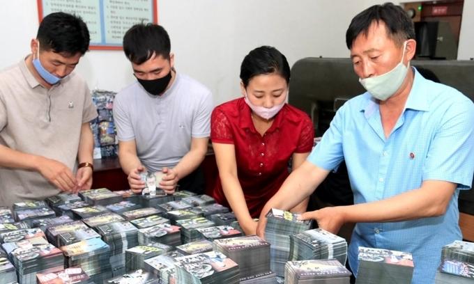 Triều Tiên tuyên bố thả 3.000 bóng bay, rải 12 triệu truyền đơn trả đũa Hàn Quốc - Ảnh 1