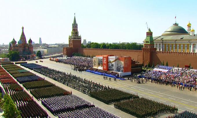 14.000 binh sĩ cùng hàng trăm khí tài tham gia duyệt binh mừng 75 năm chiến thắng phát xít tại Nga - Ảnh 1
