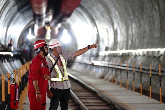 Cận cảnh đường sắt cao tốc 5 tỷ USD tại Indonesia thuộc loạt dự án 'Vành đai và Con đường' của Trung Quốc bị đình trệ - Ảnh 1