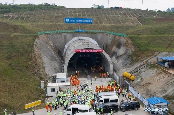 Cận cảnh đường sắt cao tốc 5 tỷ USD tại Indonesia thuộc loạt dự án 'Vành đai và Con đường' của Trung Quốc bị đình trệ - Ảnh 3