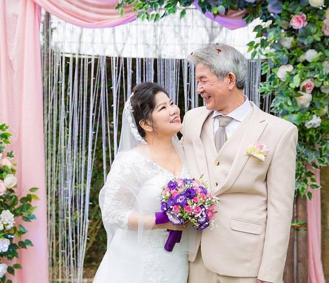 """NSND thanh hoa hé lộ chuyên tình yêu ở tuổi U70: Từ bị gia đình chồng và hai con riêng phản đối đến được chiều chuộng như """"công chúa"""" - Ảnh 1"""