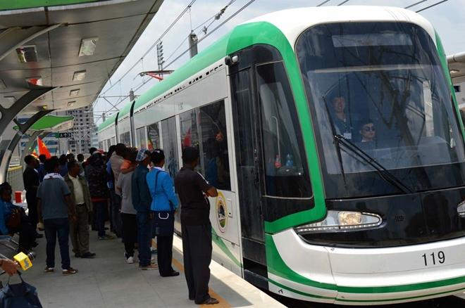 Cận cảnh đường sắt trên cao do Tập đoàn Trung Quốc xây dựng ở Ethiopia, đã có lãi 3 triệu USD - Ảnh 1