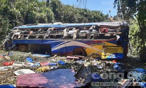 Vụ xe khách lao xuống vực 5 người chết: Phụ xe dương tính với ma túy - Ảnh 1