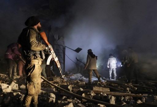 Tình hình chiến sự Syria mới nhất ngày 20/7: Tấn công đẫm máu bằng bom xe ở Syria, nhiều người chết - Ảnh 1