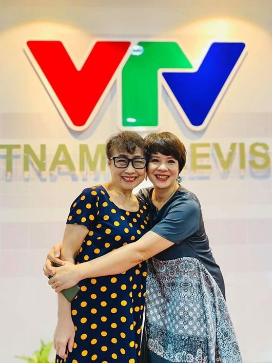 Tin tức giải trí mới nhất ngày 27/7/2020: Jolie Nguyễn xuất hiện trở lại, đăng ảnh đi chùa - Ảnh 2