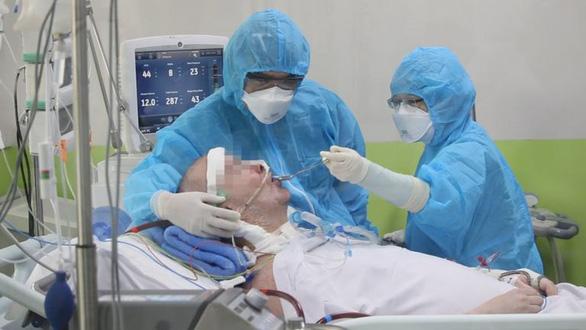 Phi công Anh trải lòng về sự phục hồi kỳ diệu khi được điều trị Covid-19 tại Việt Nam - Ảnh 1