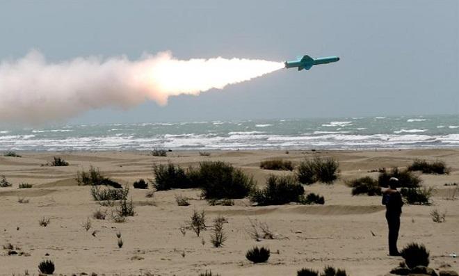 Iran lần đầu tiên phóng tên lửa chiến lược từ sâu trong lòng đất, tiêu diệt nhiều mục tiêu  - Ảnh 1