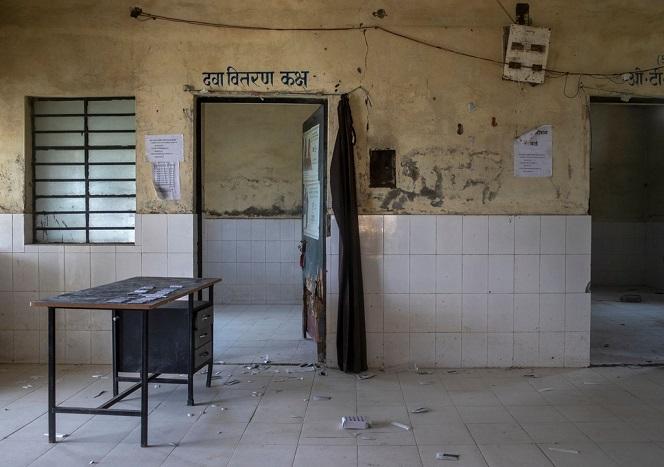 Bệnh viện Ấn Độ 'gồng mình' chữa trị cho bệnh nhân khi chỉ còn duy nhất một bác sĩ giữa bão dịch Covid-19 - Ảnh 3