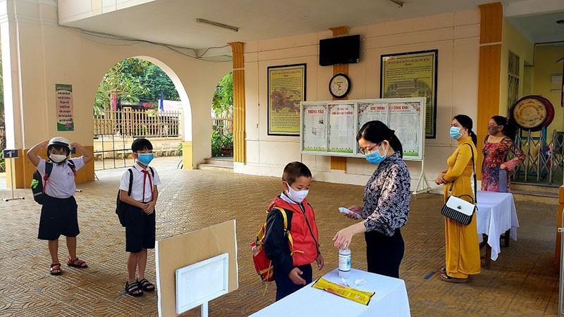 Tin tức thời sự mới nóng nhất ngày 19/8: Đà Nẵng miễn 4 tháng học phí cho học sinh do Covid-19 - Ảnh 1