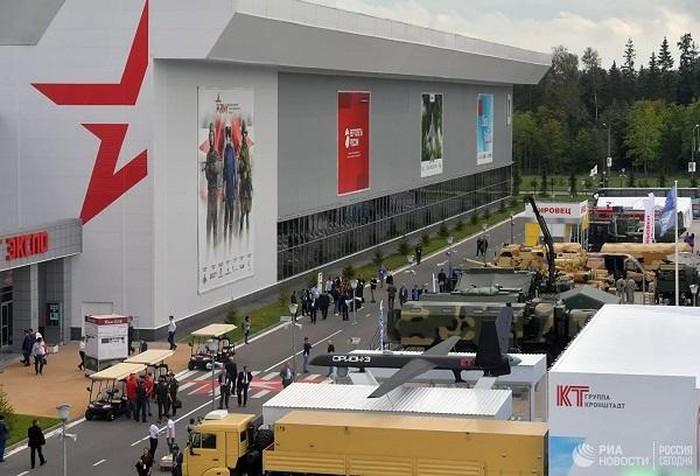 Nga ra mắt máy bay không người lái tàng hình mới nhất tại Army 2020 - Ảnh 1