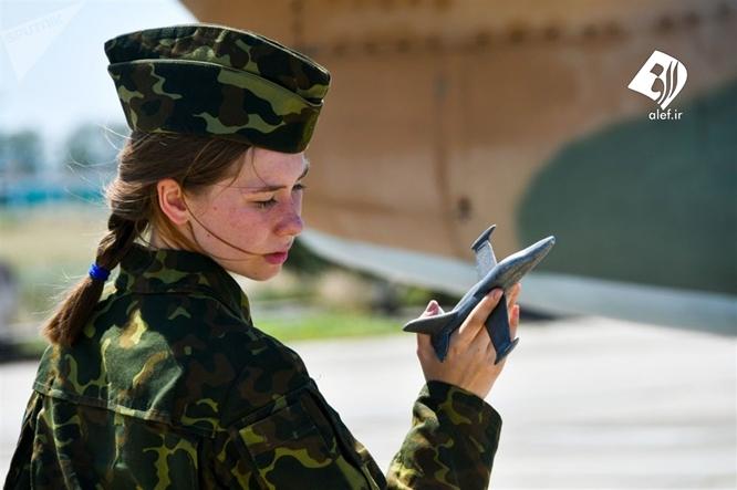 Vẻ đẹp hớp hồn của các nữ học viên bên tiêm kích ở trường đào tạo phi công quân sự duy nhất tại Nga - Ảnh 14