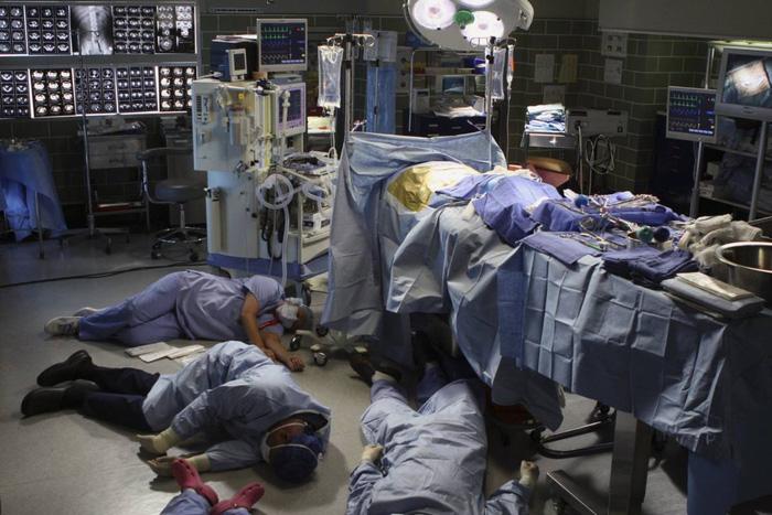 Bí ẩn người phụ nữ phát độc tố khiến hàng chục nhân viên y tế ngất lịm, gần 30 năm vẫn chưa có lời giải - Ảnh 2