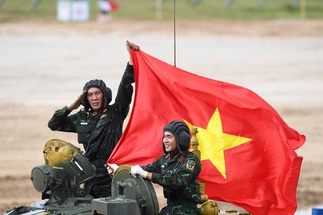 Video: Cận cảnh màn thi đấu ấn tượng của đội tuyển xe tăng Việt Nam tại vòng loại Army Games 2020 - Ảnh 4