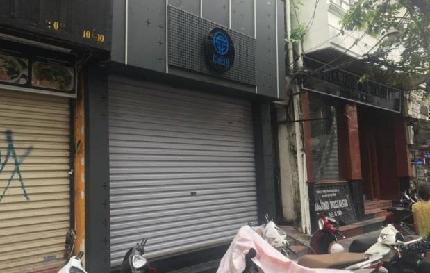 Tiếp hàng chục khách bất chấp lệnh cấm, quán bar tại Hà Nội bị phạt 40 triệu đồng - Ảnh 1