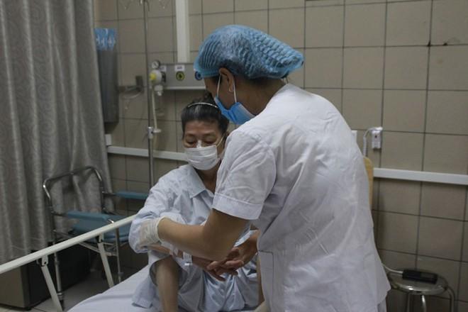 Thêm bệnh nhân khám bệnh sau khi ăn pate Minh Chay, người được tiêm thuốc 8000 USD vẫn phải thở máy - Ảnh 1
