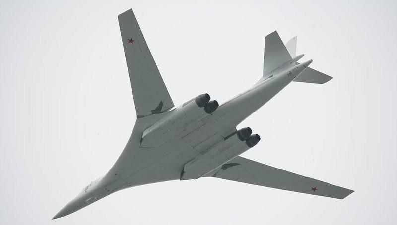 """Tin tức quân sự mới nóng nhất ngày 20/9: """"Thiên nga trắng"""" Tu-160 của Nga phá kỷ lục thế giới - Ảnh 1"""
