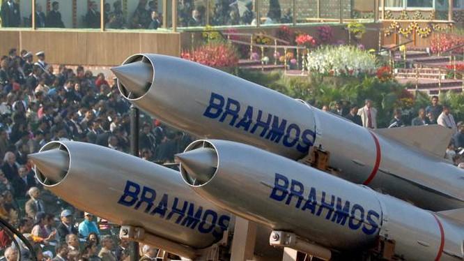 """Hé lộ 5 loại khí tài cực """"khủng"""" trong kho quân sự của Ấn Độ khiến Trung Quốc dè chừng - Ảnh 3"""