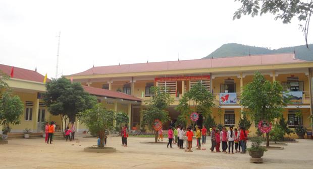 Hà Giang: 100 học sinh nhập viện, nghi ngộ độc thực phẩm - Ảnh 1