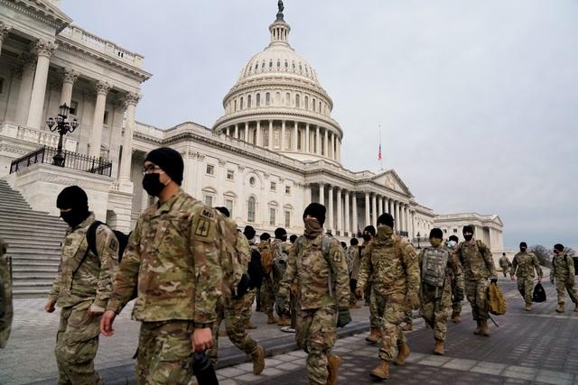 Mỹ huy động 25.000 vệ binh quốc gia bảo vệ lễ nhậm chức của ông Biden - Ảnh 1