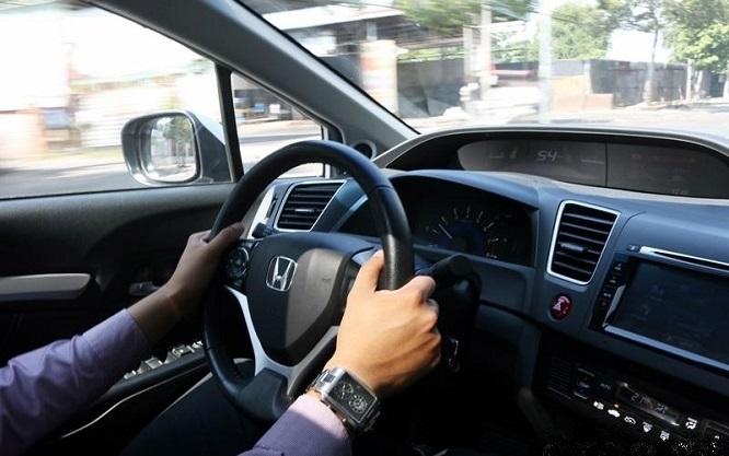 Hy hữu người đàn ông vượt qua bài thi lái xe sau 157 lần thi trượt, tiêu tốn gần 94 triệu tiền lệ phí - Ảnh 1