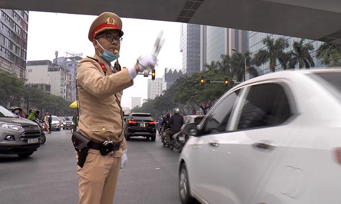 Hàng trăm cảnh sát cùng các phương tiện tổng duyệt phương án dẫn đoàn phục vụ Đại hội Đảng - Ảnh 7