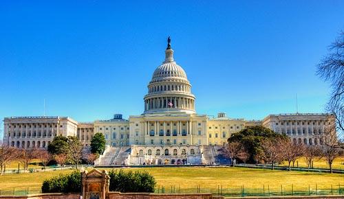 Xuất hiện lời đe dọa lao máy bay vào tòa nhà quốc hội Mỹ - Ảnh 1