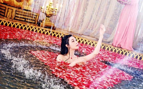 Bí mật chuyện tắm rửa xa hoa của Từ Hy Thái hậu: Mỗi lần dùng 100 chiếc khăn, nhiều giờ mới xong - Ảnh 2