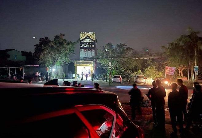 Án mạng tại quán karaoke ở Hòa Bình khiến 3 người tử vong - Ảnh 1