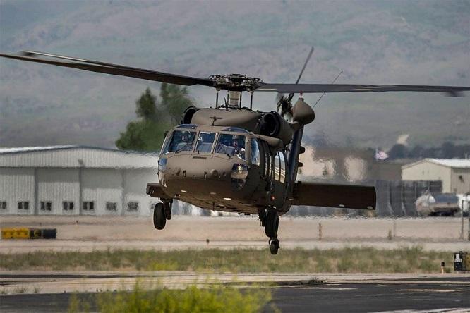 Rơi trực thăng vũ trang Mỹ, 3 vệ binh quốc gia thiệt mạng - Ảnh 1