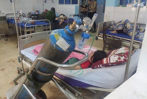 Quảng Bình: 3 học sinh bị ngộ độc sau khi sử dụng kẹo thổi - Ảnh 1