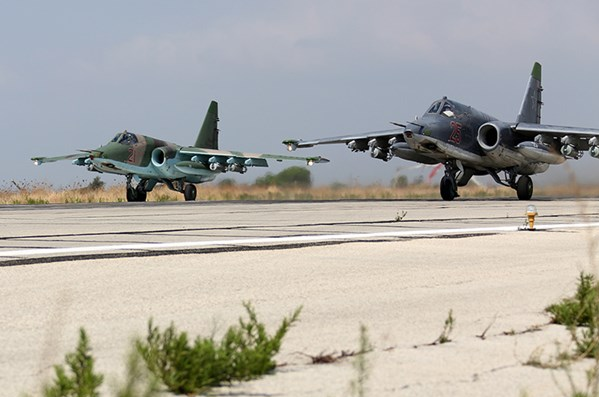 Tin tức quân sự mới nhất ngày 19/4/2021: Đoàn xe Mỹ ùn ùn chở khí tài tới Syria - Ảnh 3