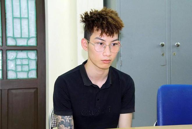Lào Cai: Bắt đối tượng cầm đầu đường dây đưa gần 200 người xuất, nhập cảnh trái phép - Ảnh 1