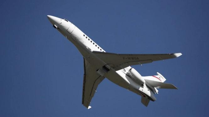 Giới siêu giàu Ấn Độ thuê máy bay phản lực chạy khỏi quê nhà  - Ảnh 1