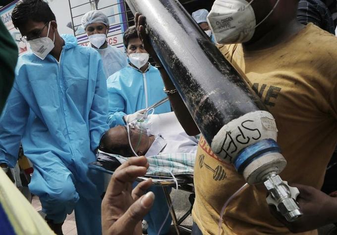 Lãnh đạo bệnh viện Ấn Độ bác cáo buộc rút ống thở, ngưng cấp oxy cho bệnh nhân - Ảnh 1