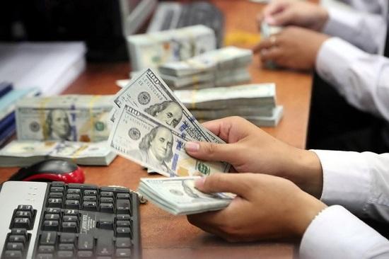 Vụ phạt 90 triệu đồng khi đổi 100 USD: Người dân có thể mua bán ngoại tệ ở đâu? - Ảnh 2
