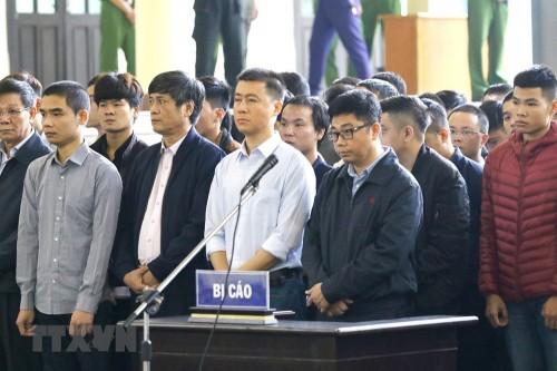 """Hai """"cánh tay đắc lực"""" của Phan Sào Nam vắng mặt trong phiên tòa xét xử đường dây đánh bạc nghìn tỷ là ai? - Ảnh 1"""