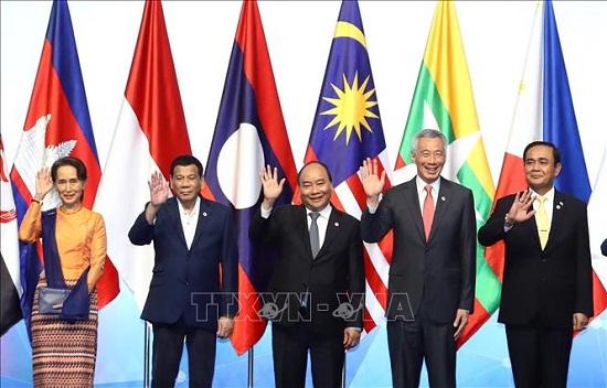 Thủ tướng Nguyễn Xuân Phúc dự phiên họp toàn thể Hội nghị Cấp cao ASEAN 33 - Ảnh 1