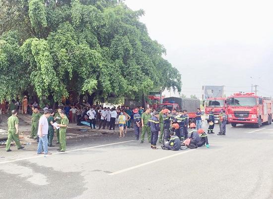 Hiện trường vụ cháy 3 cửa hàng tại Bình Dương: Phát hiện 1 thi thể trong đống đổ nát - Ảnh 4