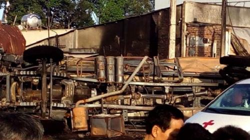 Bình Phước: Xe bồn chở xăng tông ba gác lúc rạng sáng, 6 người chết cháy - Ảnh 1