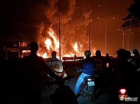 """Cháy xe bồn khiến 6 người chết ở Bình Phước: """"Núi lửa"""" chặn trước nhà khiến 4 người trong gia đình không kịp thoát - Ảnh 1"""