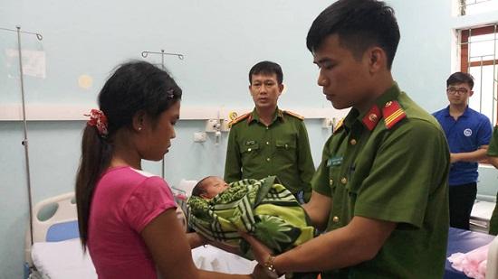 Nghệ An: Ngăn chặn kịp thời vụ mẹ bán con gái 20 ngày tuổi lấy 34 triệu đồng - Ảnh 1