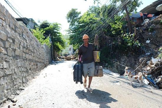 Cảnh báo: Bão số 9 chuẩn bị đổ bộ vào vùng biển Bình Thuận- Bến Tre, sơ tán 500.000 dân - Ảnh 2