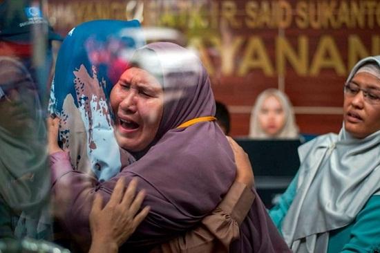 Hé lộ những giây phút cuối cùng của máy bay Indonessia trước khi gặp nạn - Ảnh 2