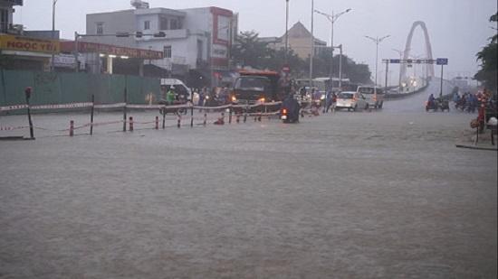 Cập nhật tình hình mưa lũ tại miền Trung: Con số thiệt hại đang tăng cao - Ảnh 2